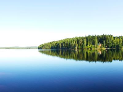 sweden_lake_house_island