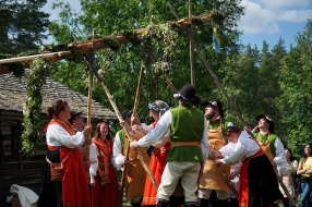 Traditional Midsommarfest in Varmhus