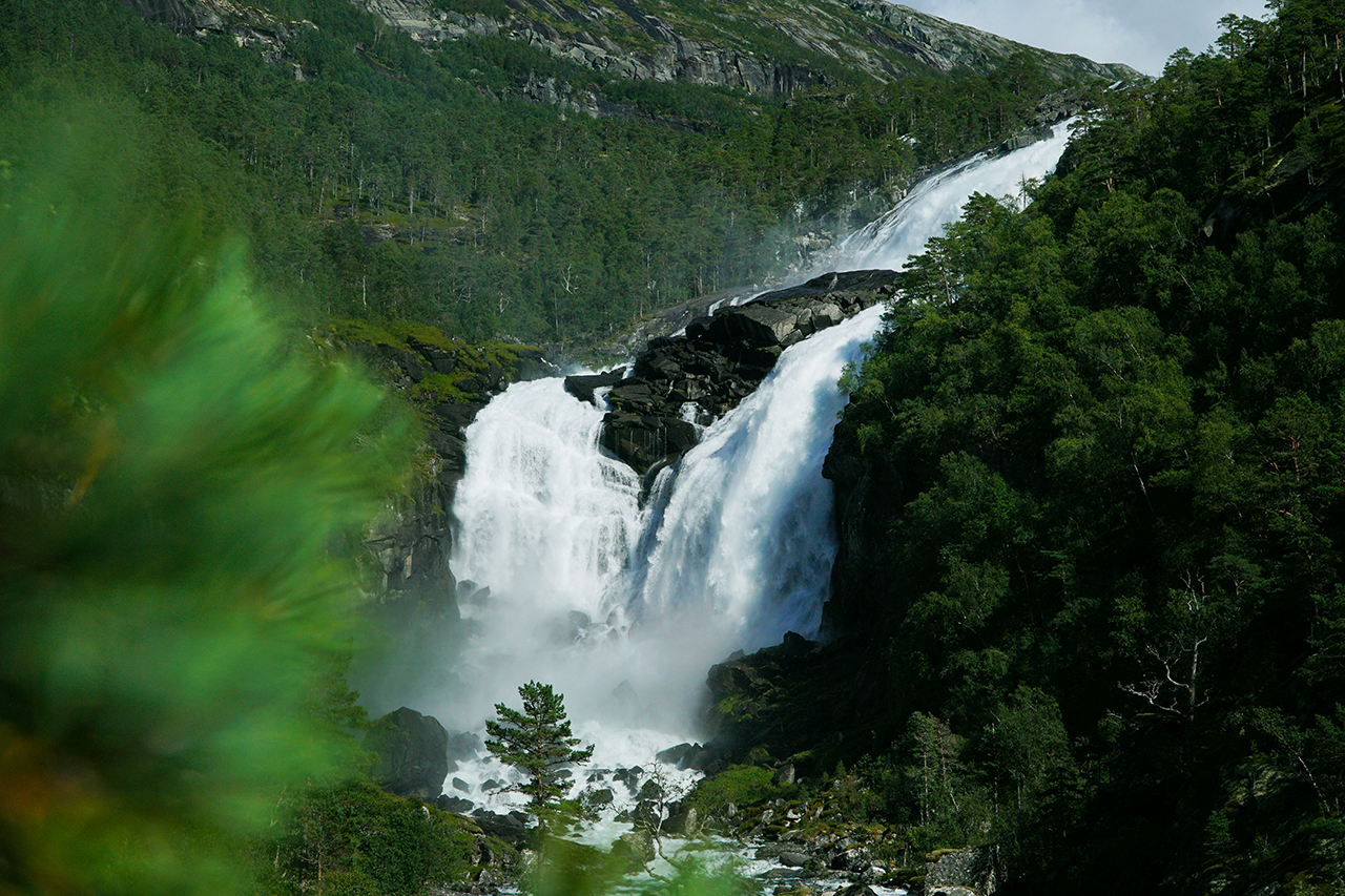 Husedalen waterfalls